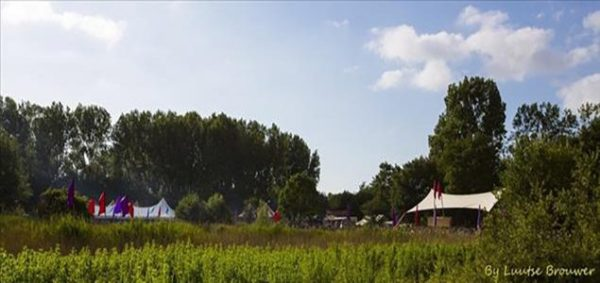 a703bb9d 3565 4af5 8453 8fda28449c5b promised 2 - The Promised Land Open Air: ouderwets gezellig 't'house komen
