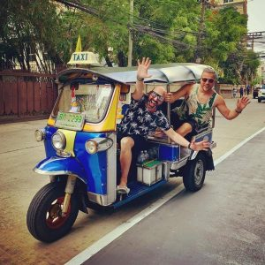 Chus and Ceballos on tour in a tuktuk in Bangkok