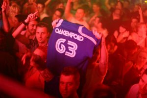 Audience with T-shirt Oakenfold