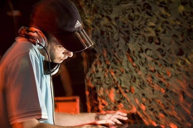 Dennis Kaandorp aka DJ Brent Spar in 2016