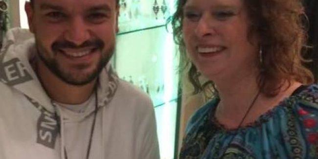 Marcy en Rafaelle lachend - datum: Oktober 2016